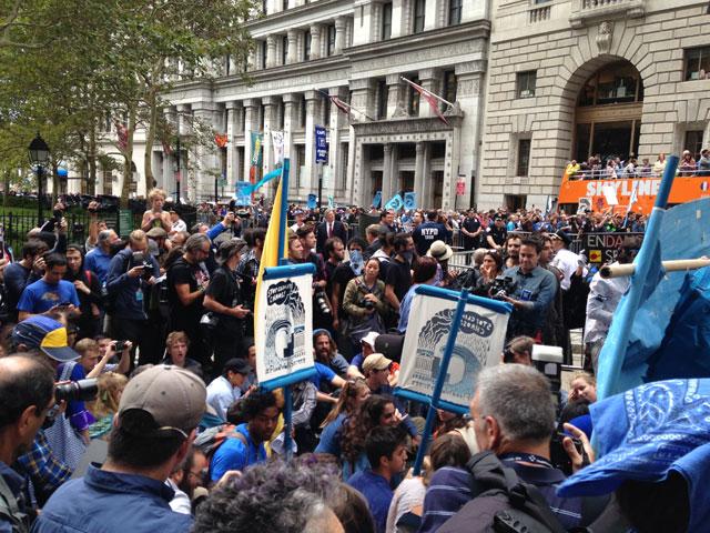 Heavy media presence around protesters (photo by Mostafa Heddaya/Hyperallergic)