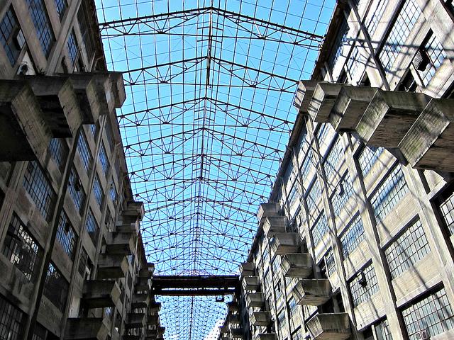 Brooklyn Army Terminal atrium (photo by Allison Meier)