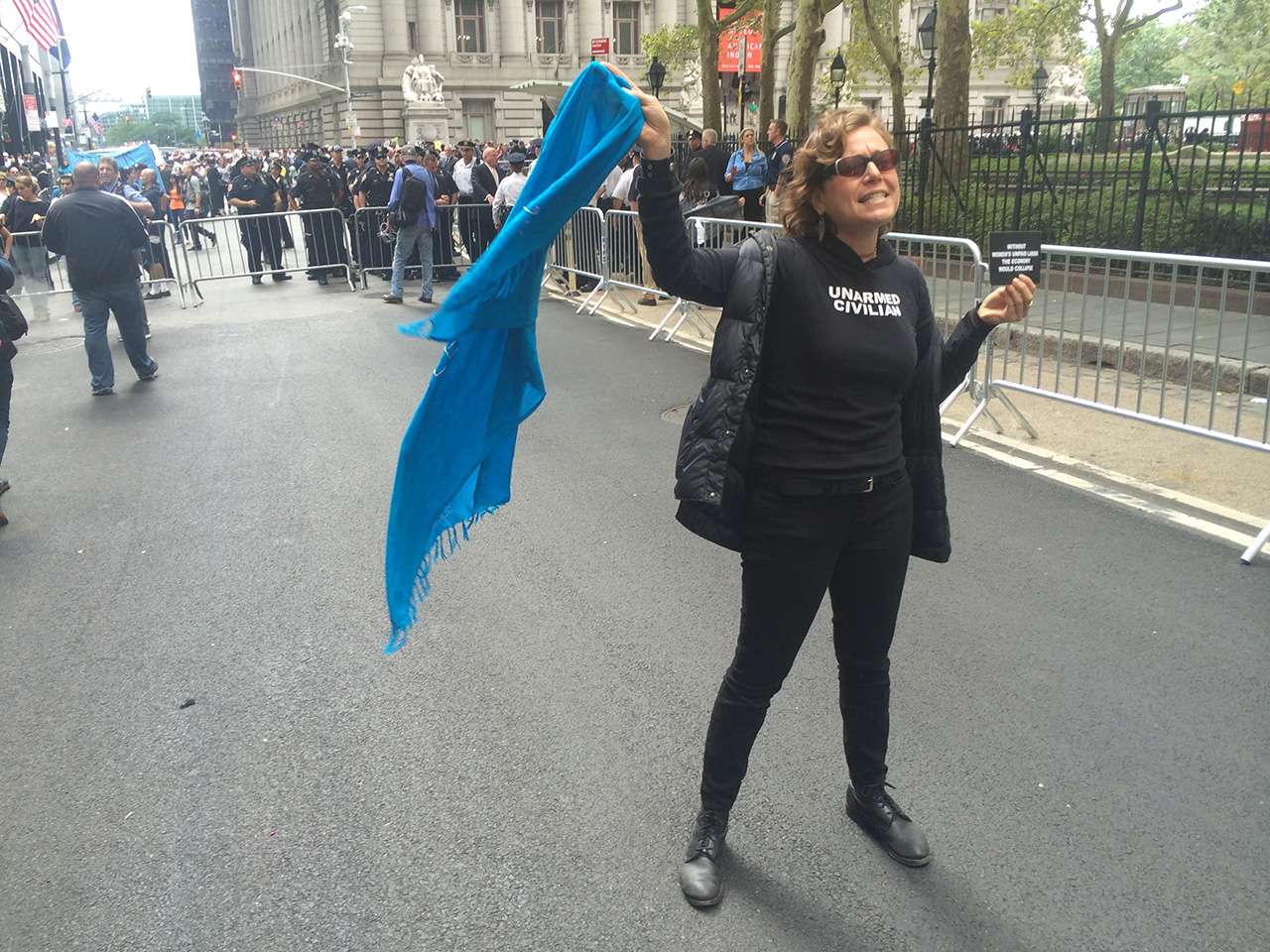 A protester (photo by Hrag Vartanian/Hyperallergic)