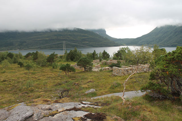 """Jan Håfström, """"The Forgotten Town"""" (1996), quartzite, limestone, area: 400 sq m, in cooperation with architect Johan Celsing"""
