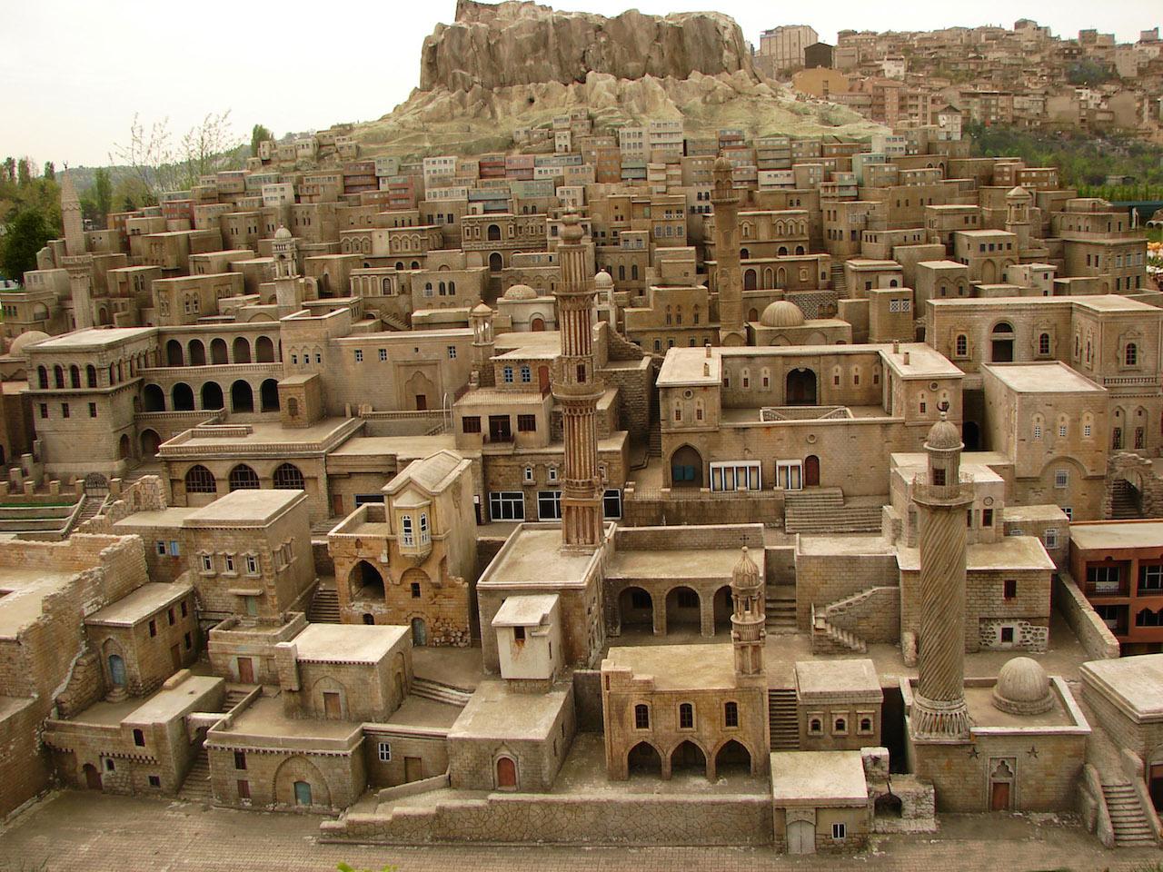 Mardin_stone_houses_02148