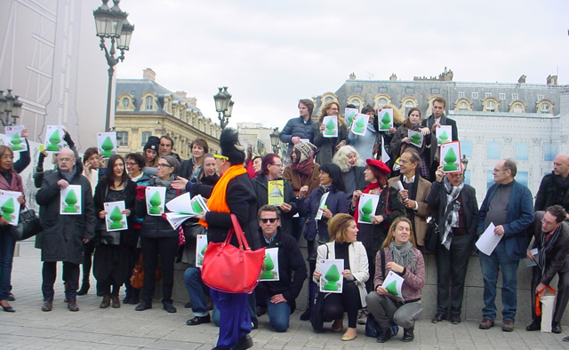 Place Vendôme flash mob