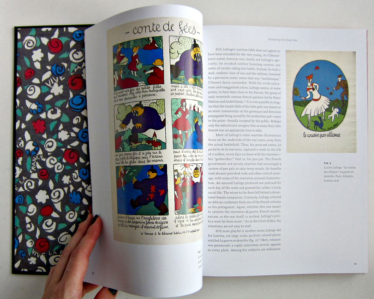 """Inside """"En Guerre,"""" showing the endpaper (photograph of the book by the author for Hyperallergic)"""