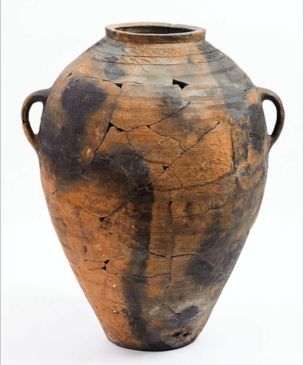 A storage vessel found in a Christian temple in Ukek