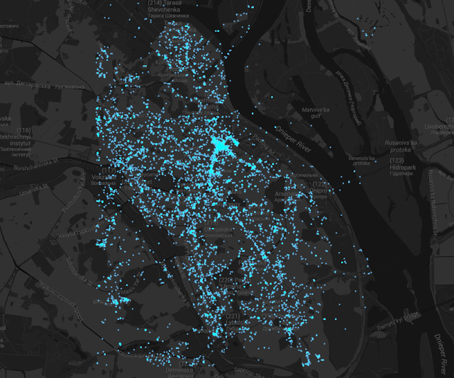 144 Hours in Kiev: map of Kiev with cluster of photos in Independence Square