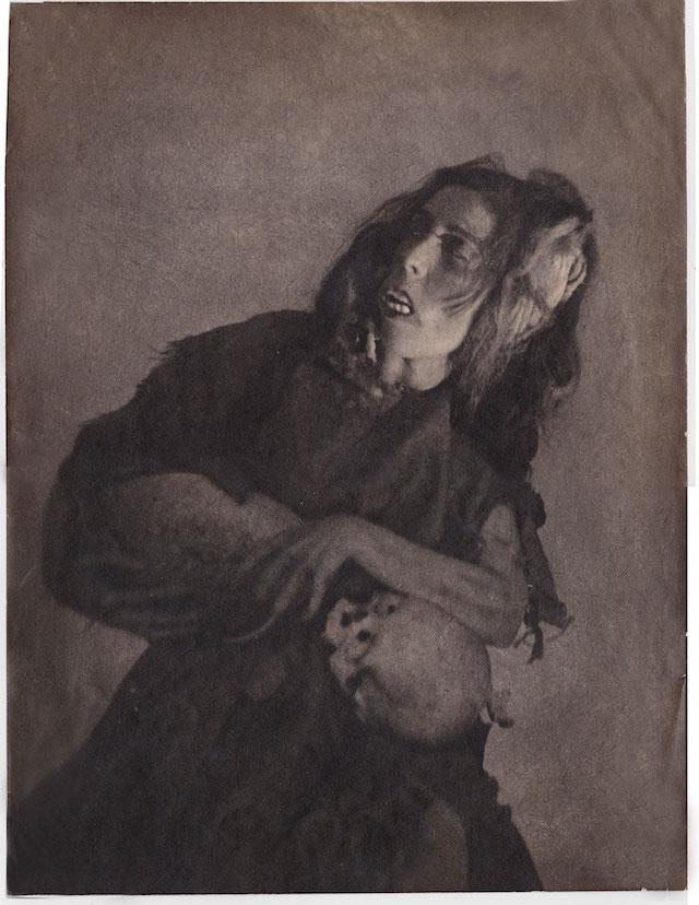 woman-wirth-skul