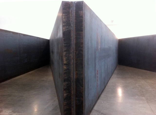 "Richard Serra, ""7 Plates, 6 Angles"" (detail) (2013), 7 plates, weatherproof steel, each plate: 8′ x 40′ x 8″; overall dimensions: 8′ x 44′ x 81′"