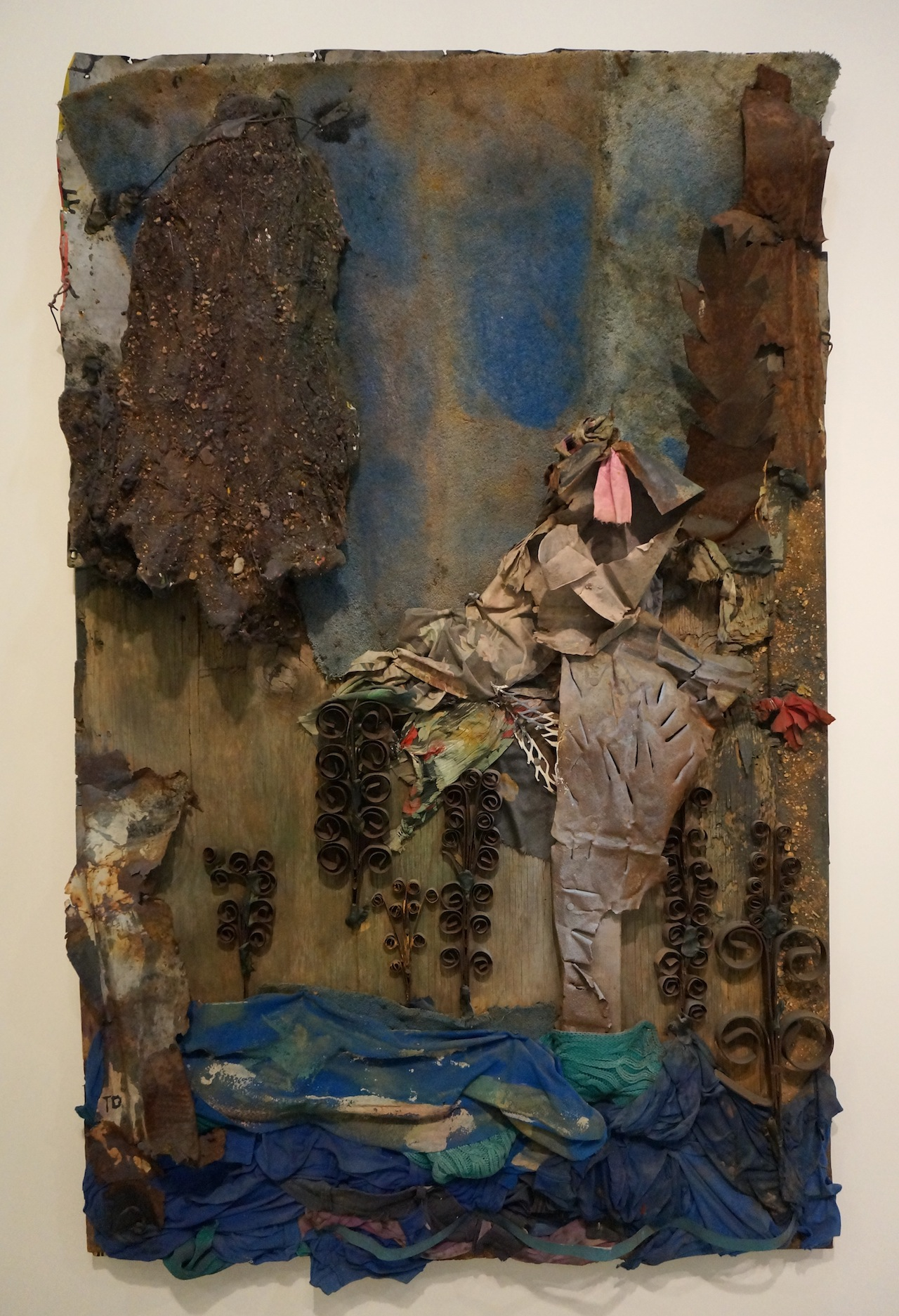 """Thornton Dial, """"Lost"""" (2004), on view with Andrew Edlin"""