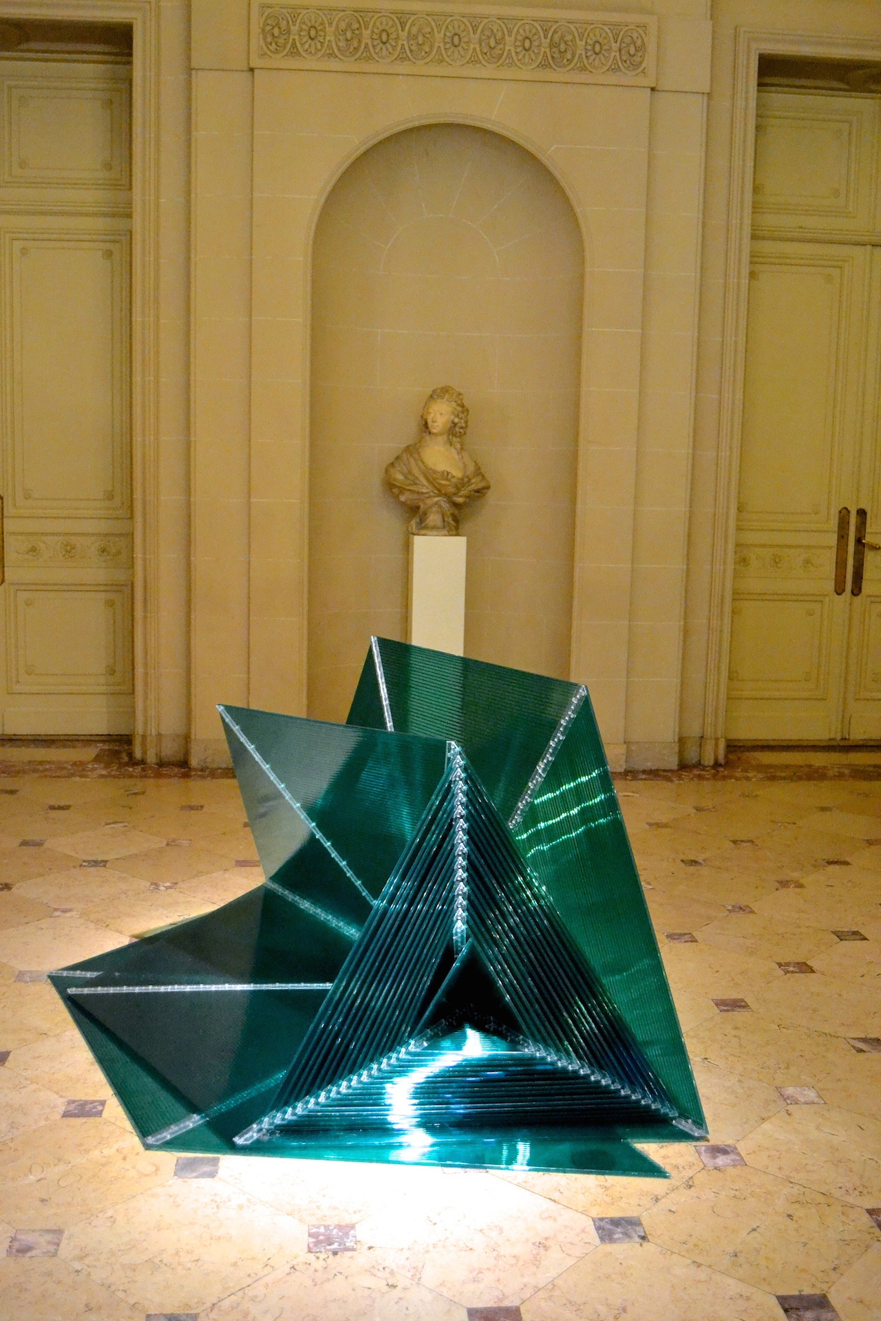 """Marta Chilindron """"Green Pyramid"""" (2006), twin wall polycarbonate, dimensions variable, closed: 48 x 41 ½ x 39 in"""