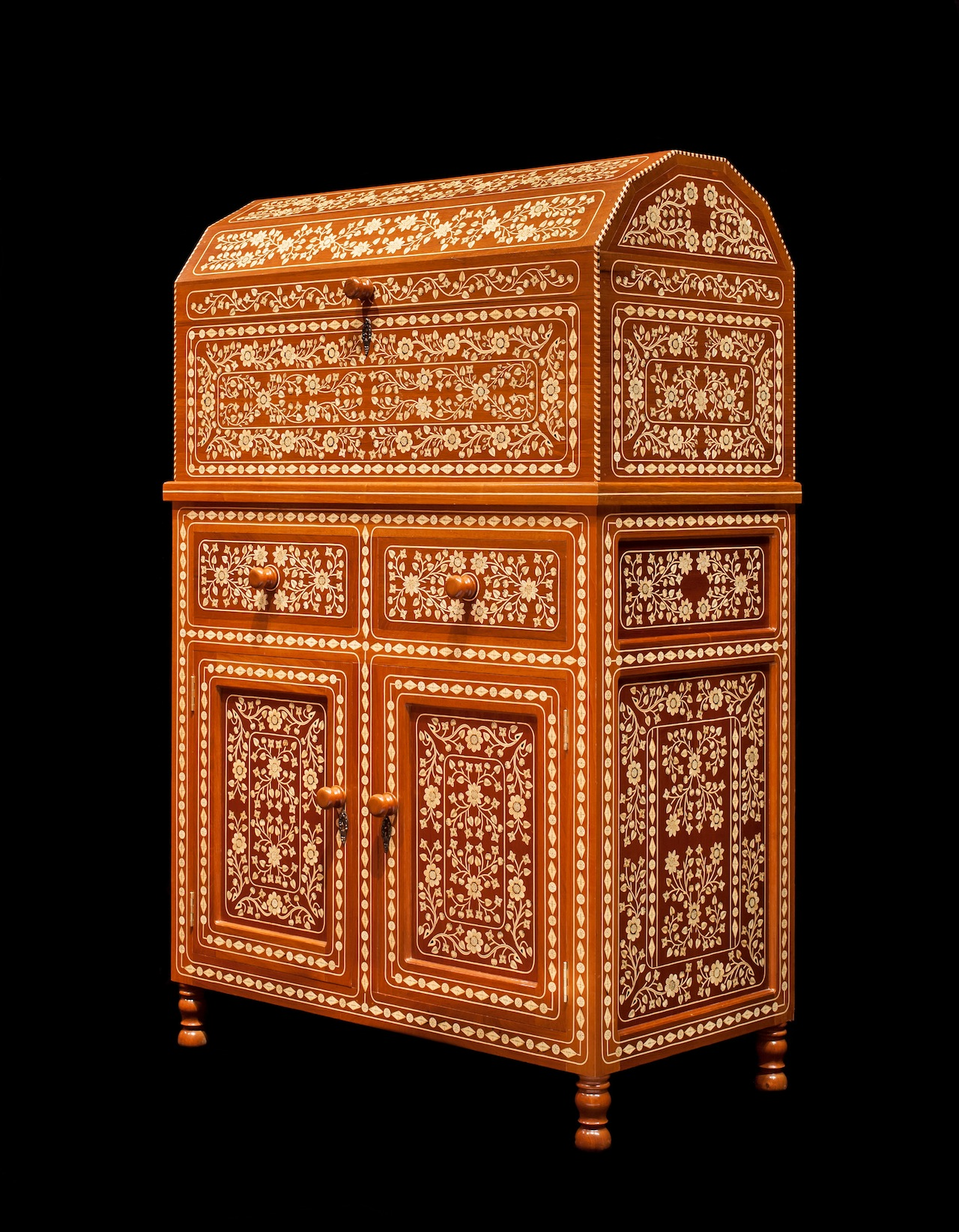 . Francisco Aguirre Tejeda. Chest on cabinet, 2000. Carved, assembled and inlaid wood. Jalostotitlán, Jalisco, Mexico. Image  Courtesy of Fomento Cultural Banamex, A.C.