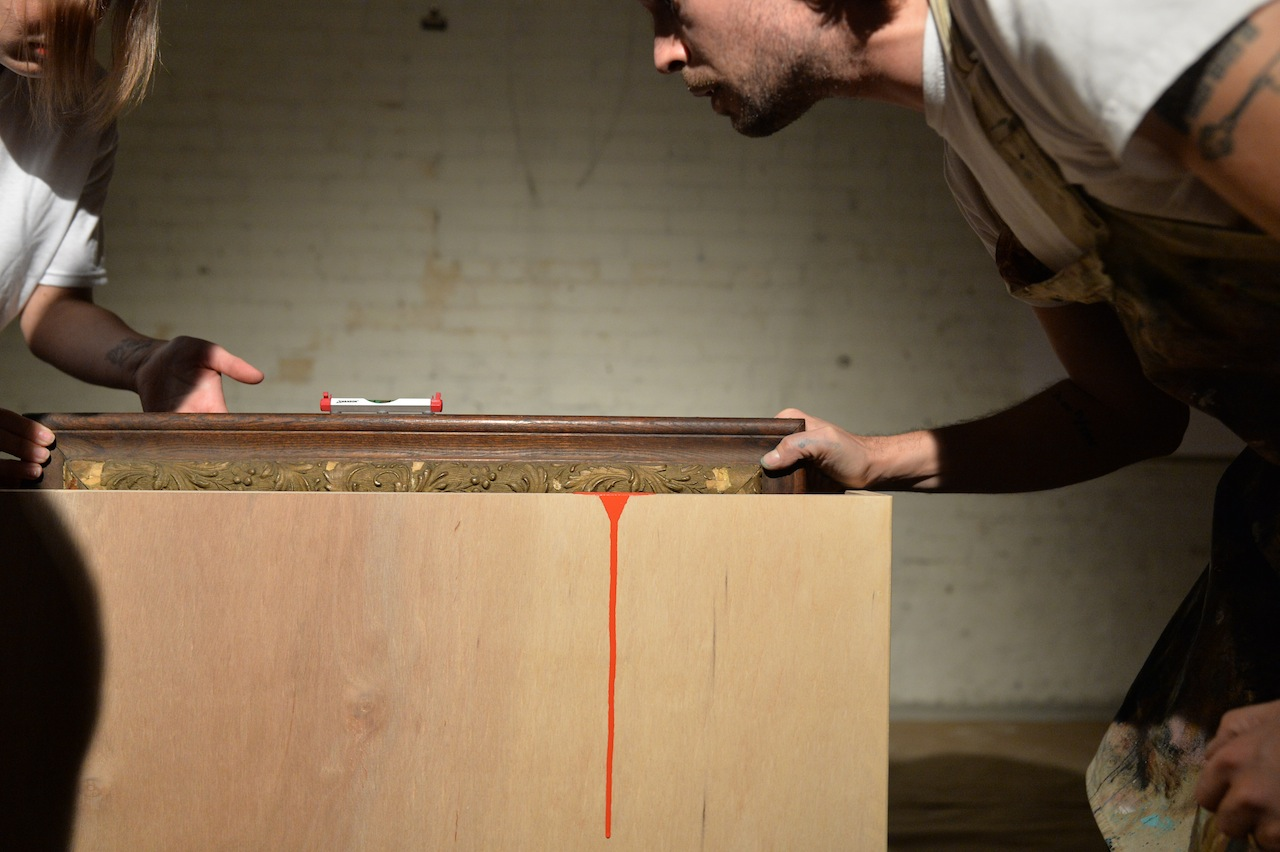"""Oliver Jeffers, """"Dipped Paintings"""" performance"""