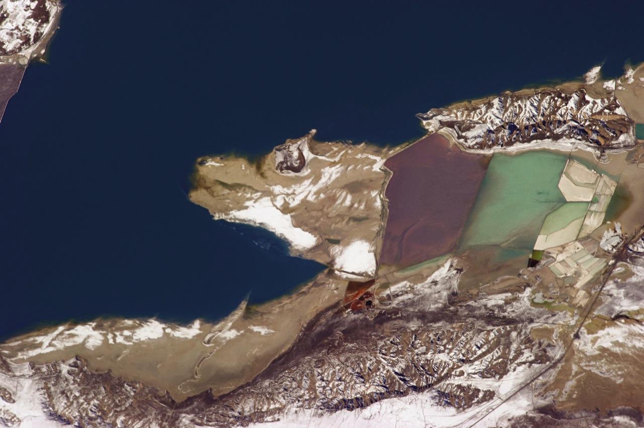 Great Salt Lake (photograph by Chris Hadfield/NASA)
