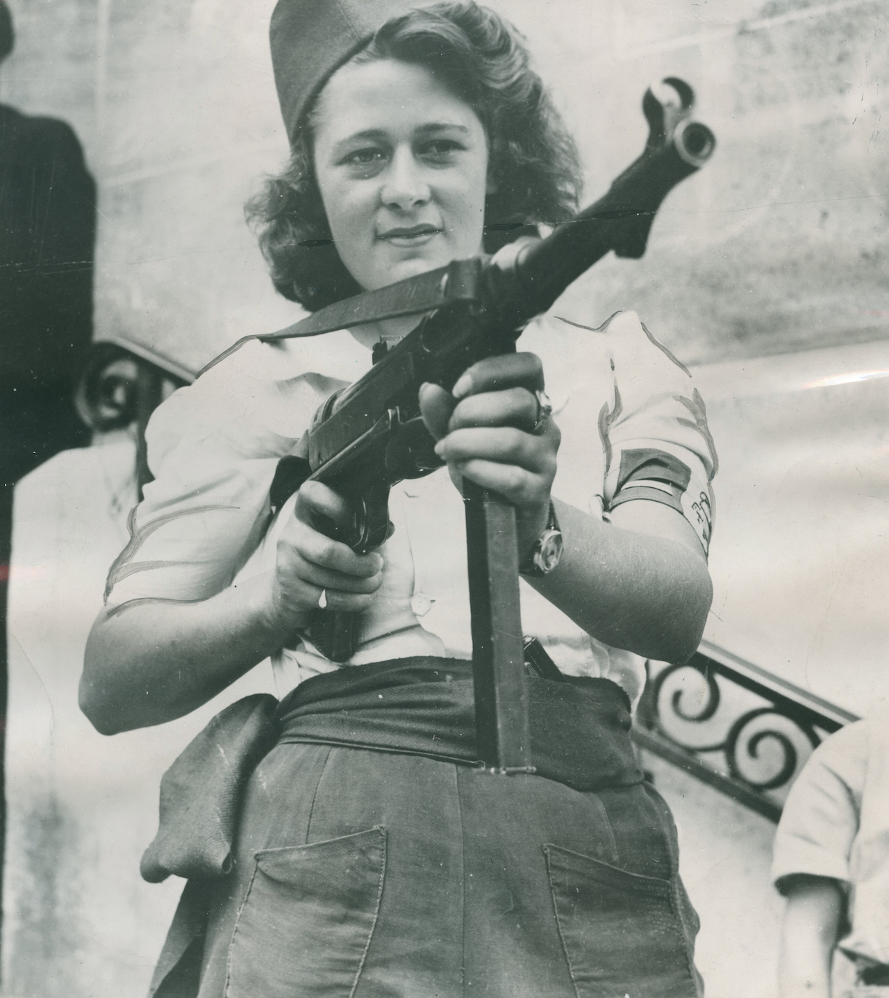 Anonymous photographer- Simone Segouin , French Resistance, 1945 All images © courtesy Lumière des Roses, lumieredesroses.com