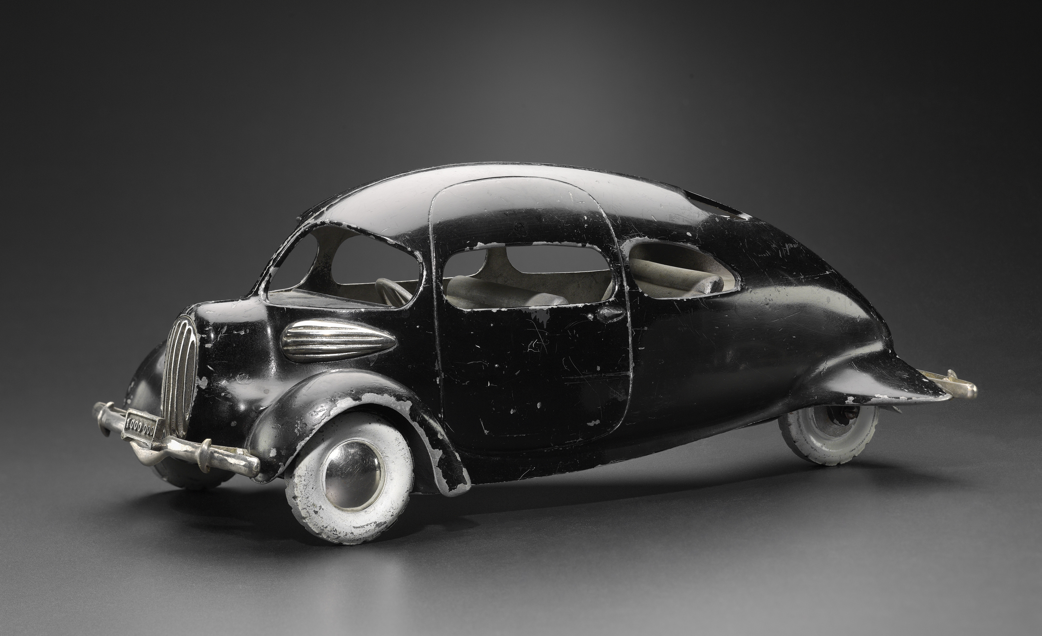 Airomobile prototype model, United States (Denver), Designed by Paul M. Lewis (American, died in 1990) and John Tjaarda (American, born in the Netherlands, 1897–1962), Manufactured by McPherson Foundry (1936), Painted cast aluminum, polished aluminum, Jean S. and Frederic A. Sharf Collection (Courtesy of the Museum of Fine Arts, Boston)
