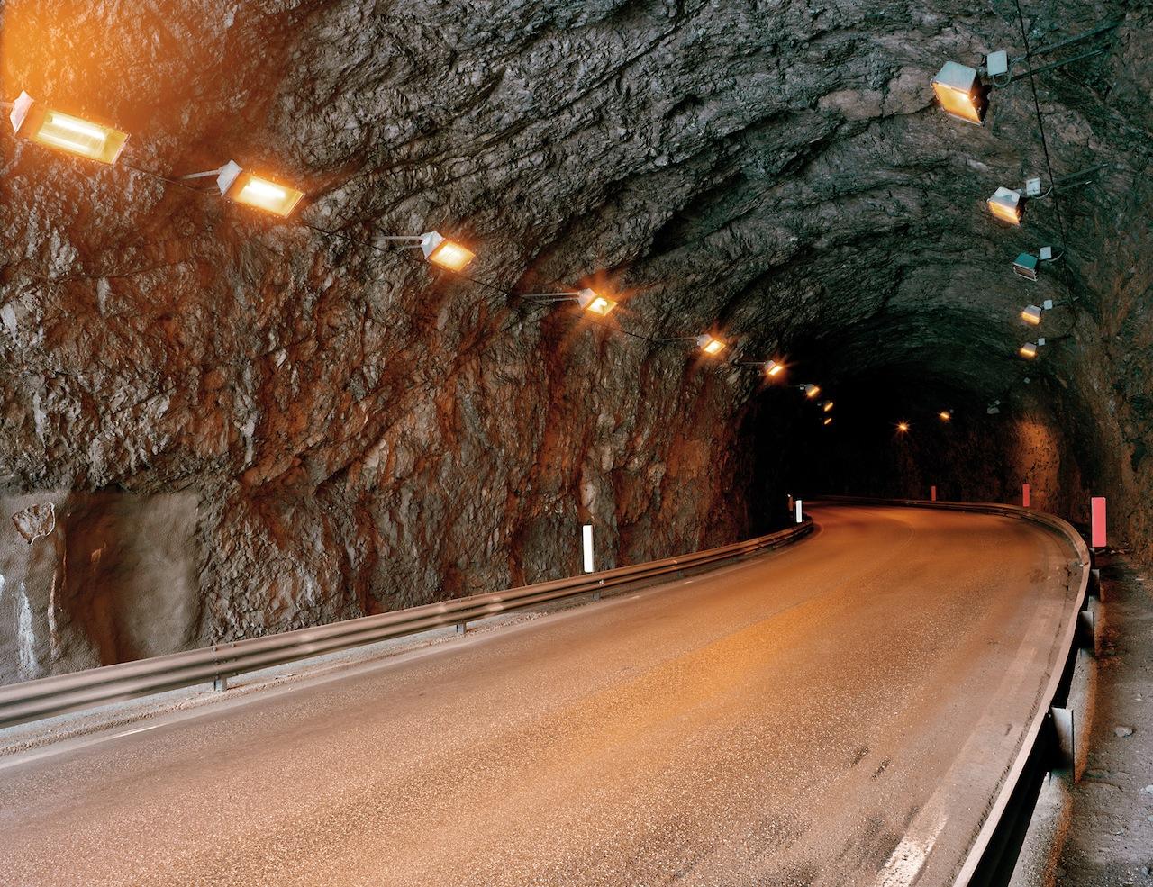 Tunnel, Passo di Fedaia, 2014 (© Olaf Unverzart)