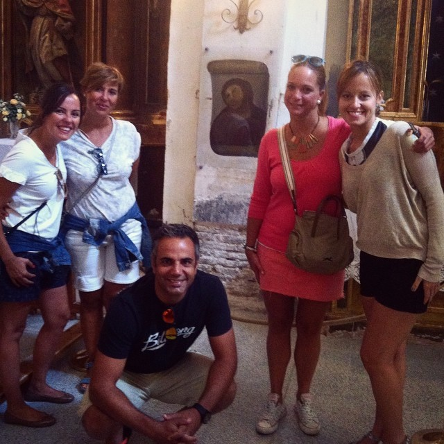 Tourists visit Beast Jesus (photo by @nataliagmarin/Instagram)