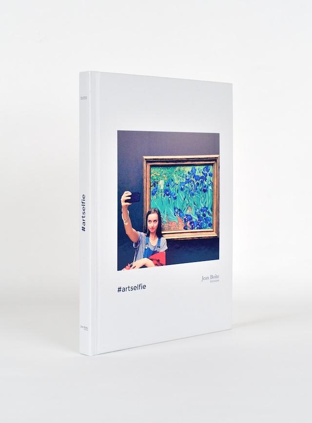 DIS Magazine's #artselfie book, published by Jean Boîte Éditions, Paris. All images courtesy of Jean Boîte Éditions.