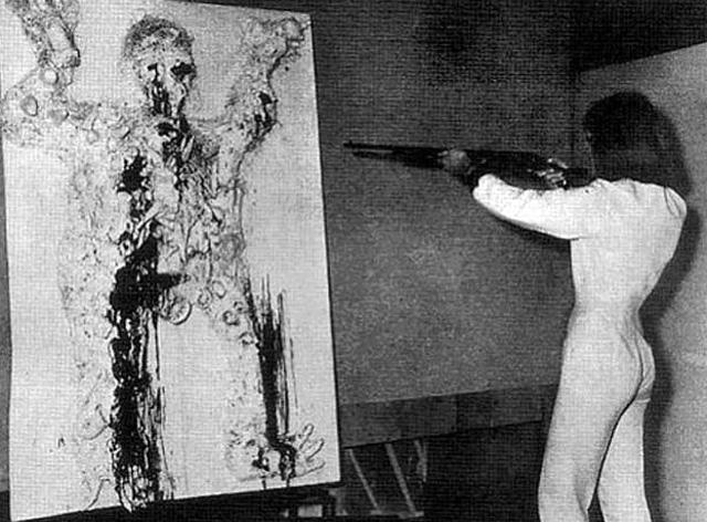 "Friedrich Rauch, ""Niki de Saint Phalle 'Tir Gambrinus' at Galerie Becker, Munich"" (1963) (photo courtesy Galeries nationales du Grand Palais)"