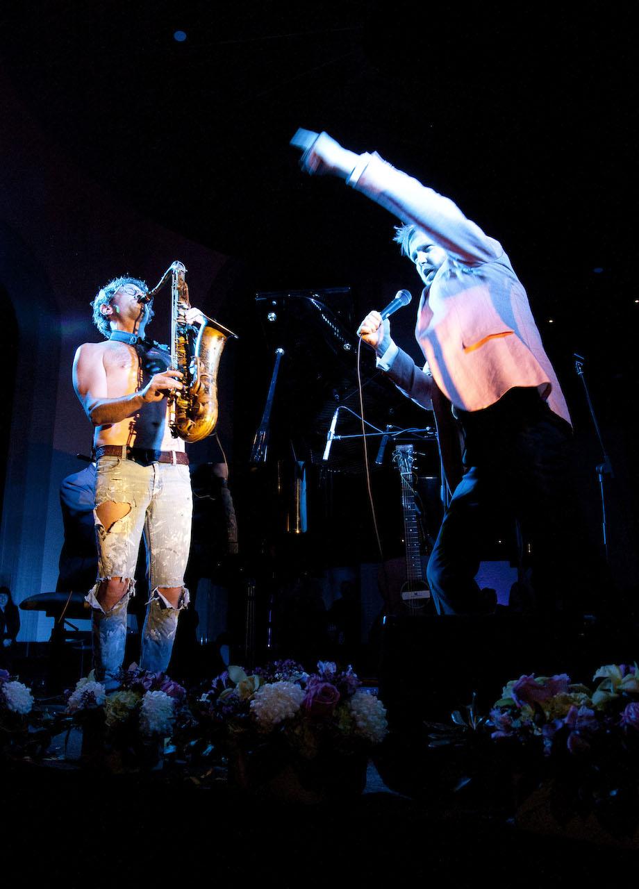 "Kjartansson performing ""Misery"""