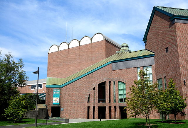 Hood Museum of Art at Dartmouth College (photograph by Daderot, via Wikimedia)