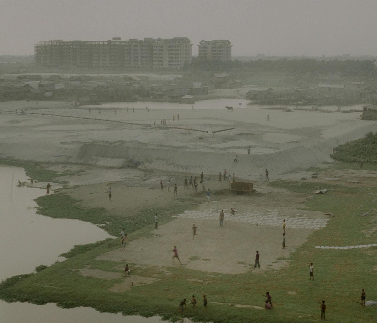 05_ Rasel Chowdhury, Hazari Bag, Dhaka (From the series 'Desperate Urbanization', 2010-14) (5)