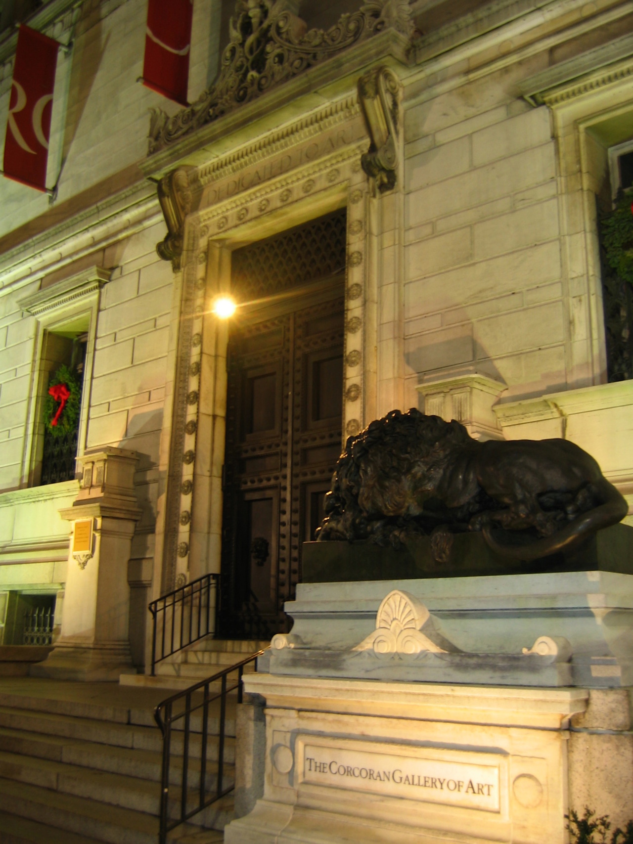 Corcoran_gallery_entrance (click to enlarge)