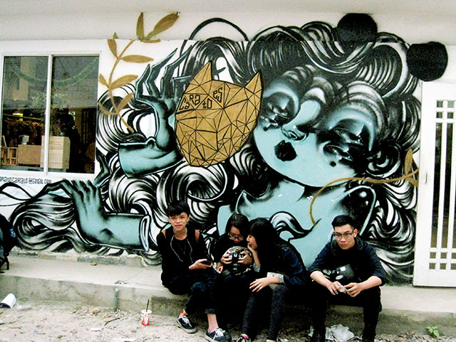 3A graffiti art alley with Vietnamese hipsters, photo by Ellen Pearlman
