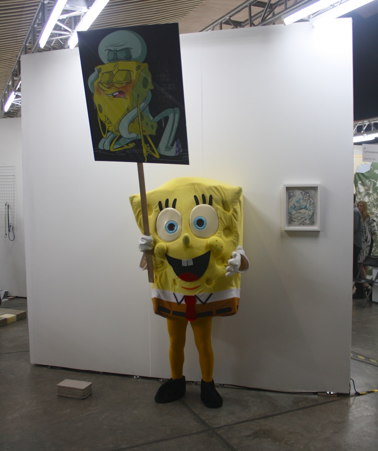 """Puppies Puppies, """"Love, Bob Esponja"""" performance at Queer Thoughts' booth."""