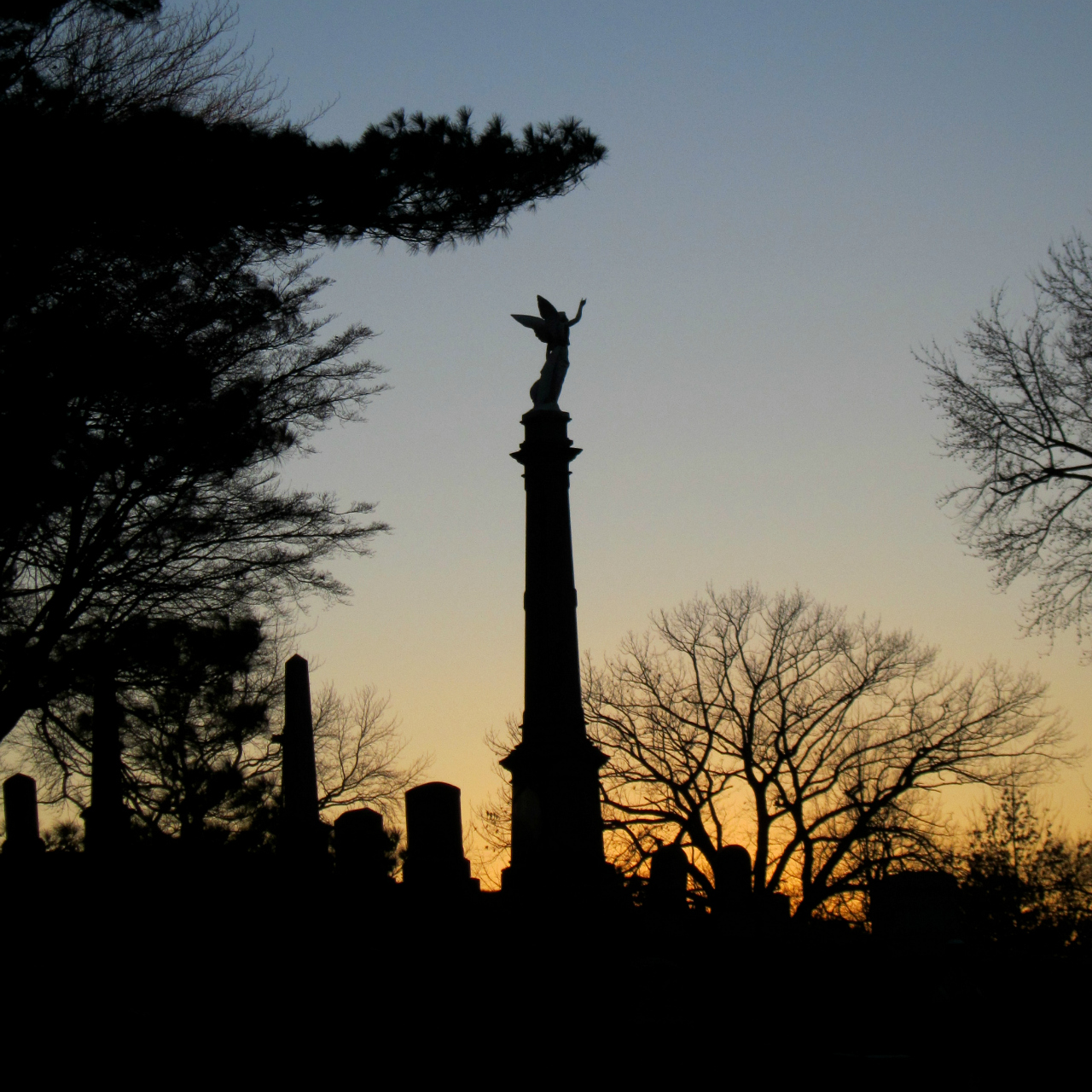 Sunset at Green-Wood Cemetery, Brooklyn (photograph by the author)