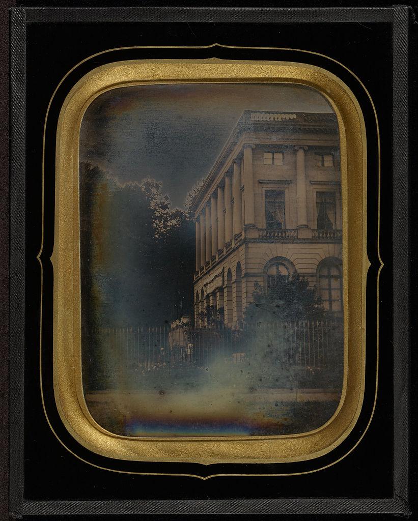"""Jean-Gabriel Eynard, """"Palais Eynard, Geneva, Switzerland"""" (1843), daguerreotype (J. Paul Getty Museum, via Wikimedia)"""