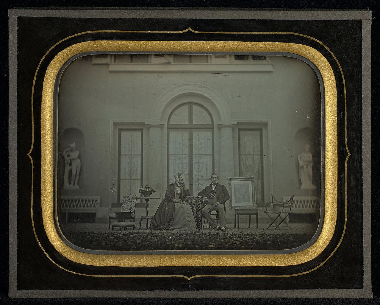 """Jean-Gabriel Eynard, """"Jean-Gabriel and Anne-Charlotte-Adélaide Eynard"""" (1845), daguerreotype (J. Paul Getty Museum, via Wikimedia)"""