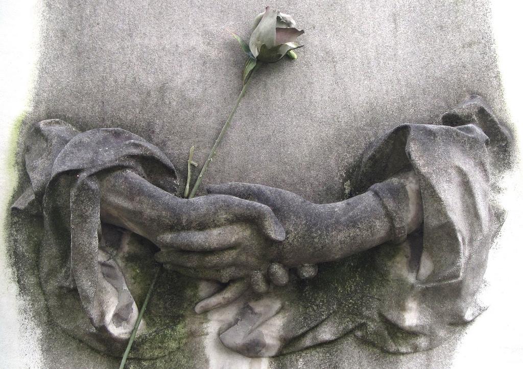 A grave in Père Lachaise Cemetery, Paris (photograph by the author)