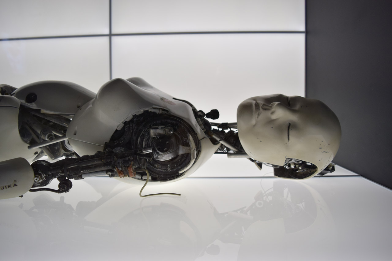 """Detail of one of Chris Cunningham's """"All Is Full of Love"""" Robots (photo by Benjamin Sutton/Hyperallergic)"""