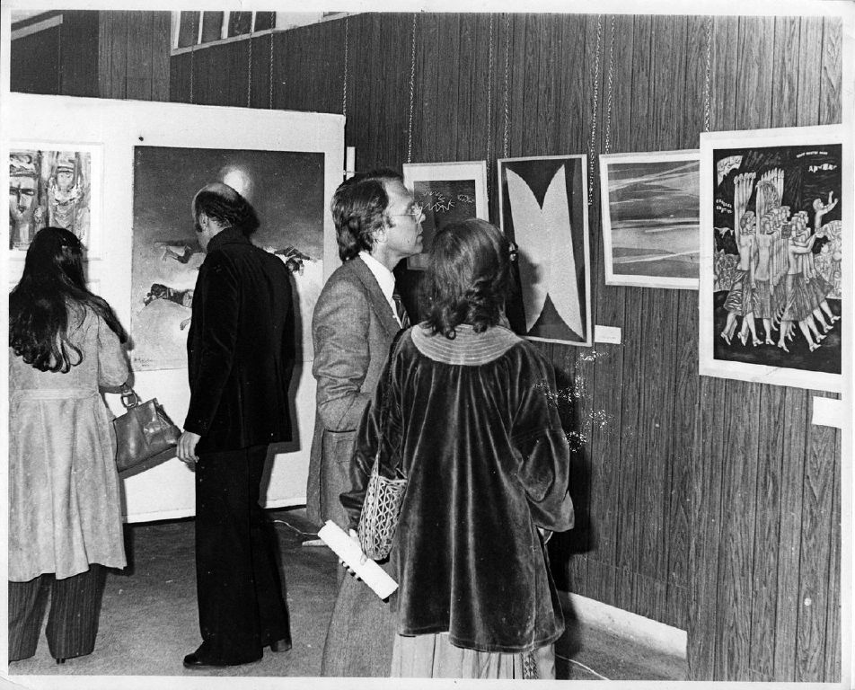 Archival photograph of the visitors at the 1978 exhibition. (image courtesy the curators)