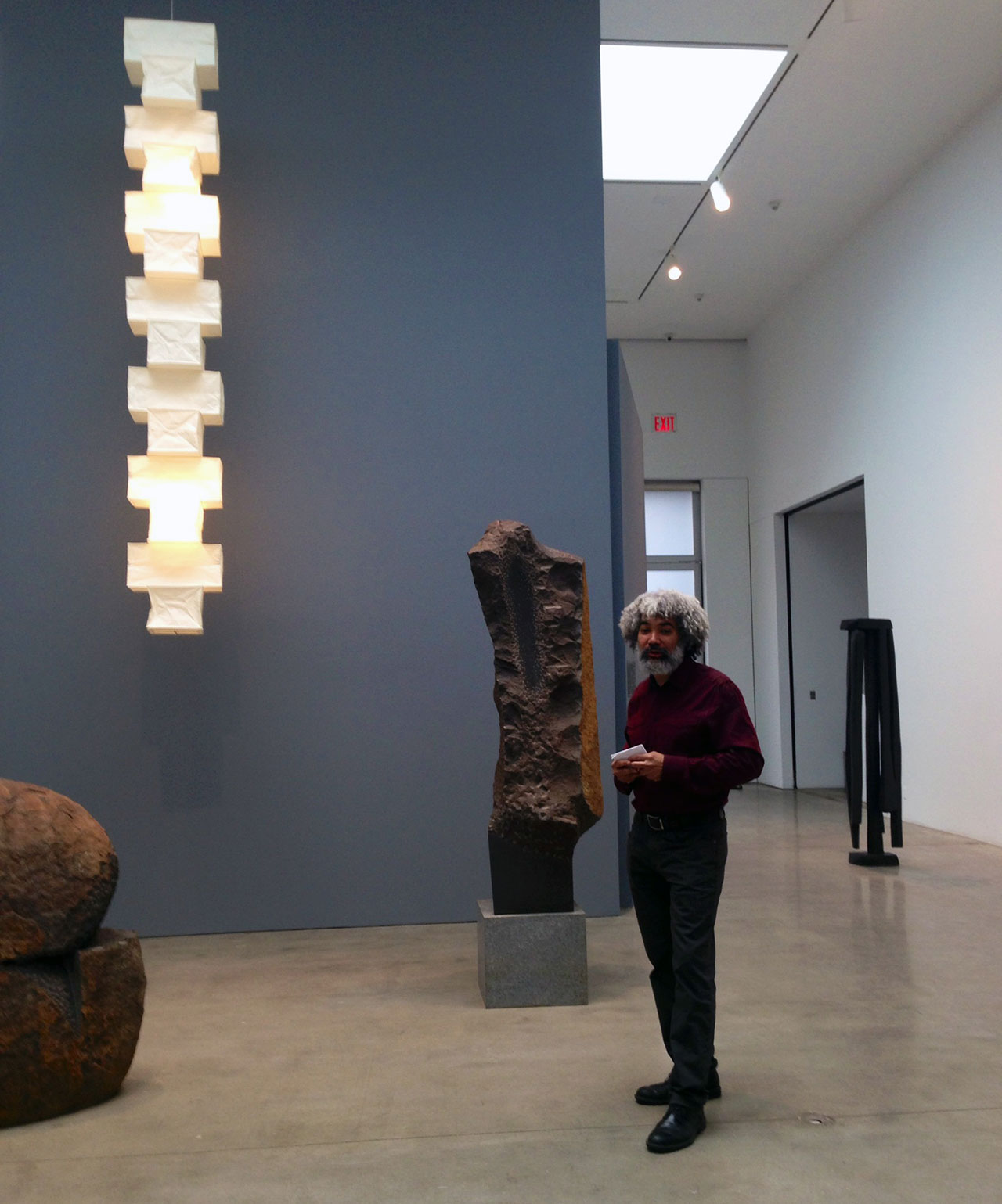 Fred Wilson discussing 'Isamu Noguchi: Variations' at Pace Gallery (all photos by the author for Hyperallergic)