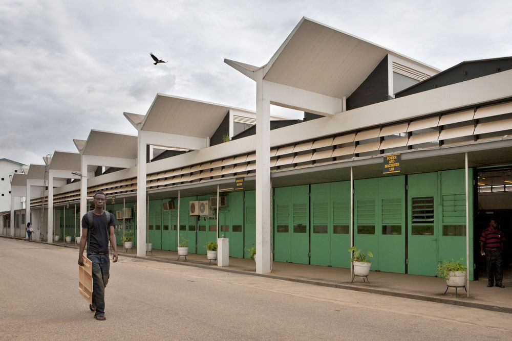 School of Engineering at KNUST (Kwame Nkrumah University of Science and Technology), Kumasi (Ghana), von/by James Cubitt, 1956 Foto/photo: © Alexia Webster