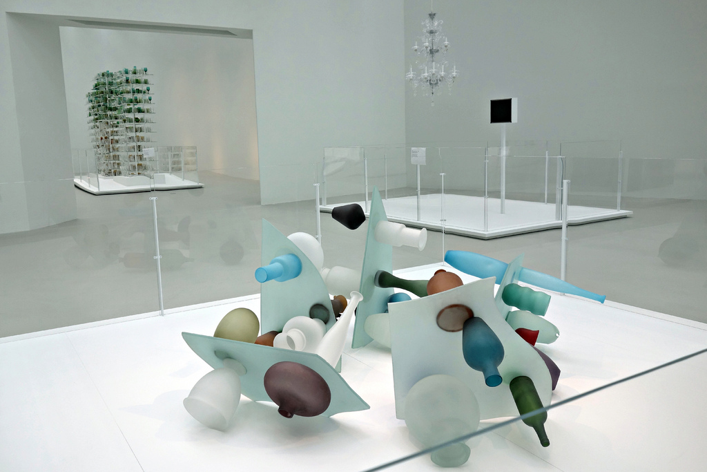 World S Largest Space For Contemporary Glass Art Lets In
