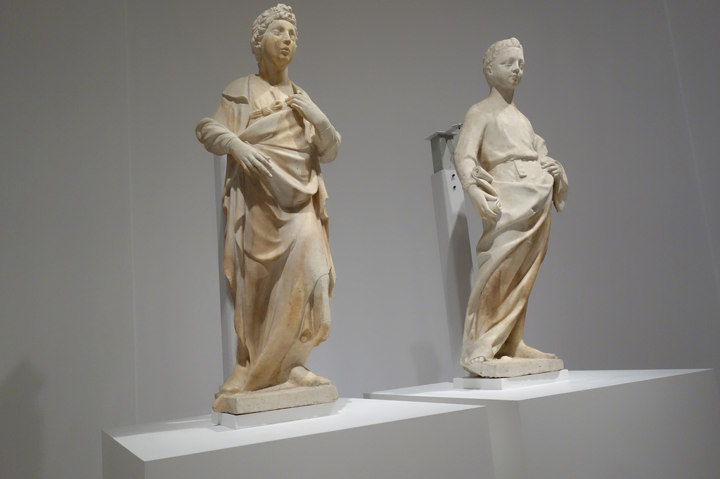 """a thesis paper of donatellos bronze david Donatello's sculpture of david is one the most important art work in early renaissance it is considered as the first free standing, life sized nude statue since antiquity the intricate bronze statue, standing at 62 ¼"""", was started in 1420s and was completed in 1960s."""
