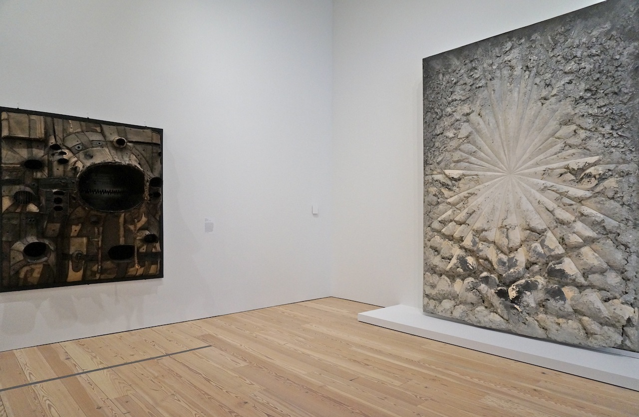 "Left: Lee Bontecou, ""Untitled, 1961"" (1961), welded steel, canvas, wire, and rope; right: Jay DeFeo, ""The Rose"" (1958–66), oil with wood and mica on canvas (click to enlarge)"