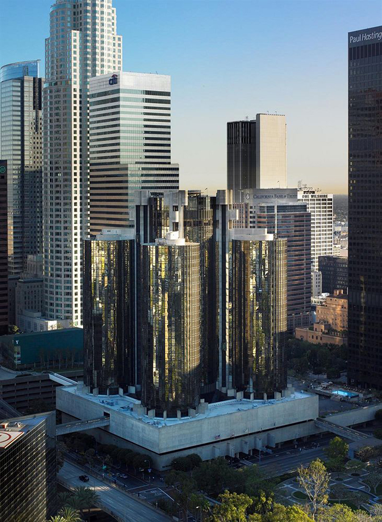 The Westin Bonaventure Hotel & Suites, Downtown Los Angeles (click to enlarge)