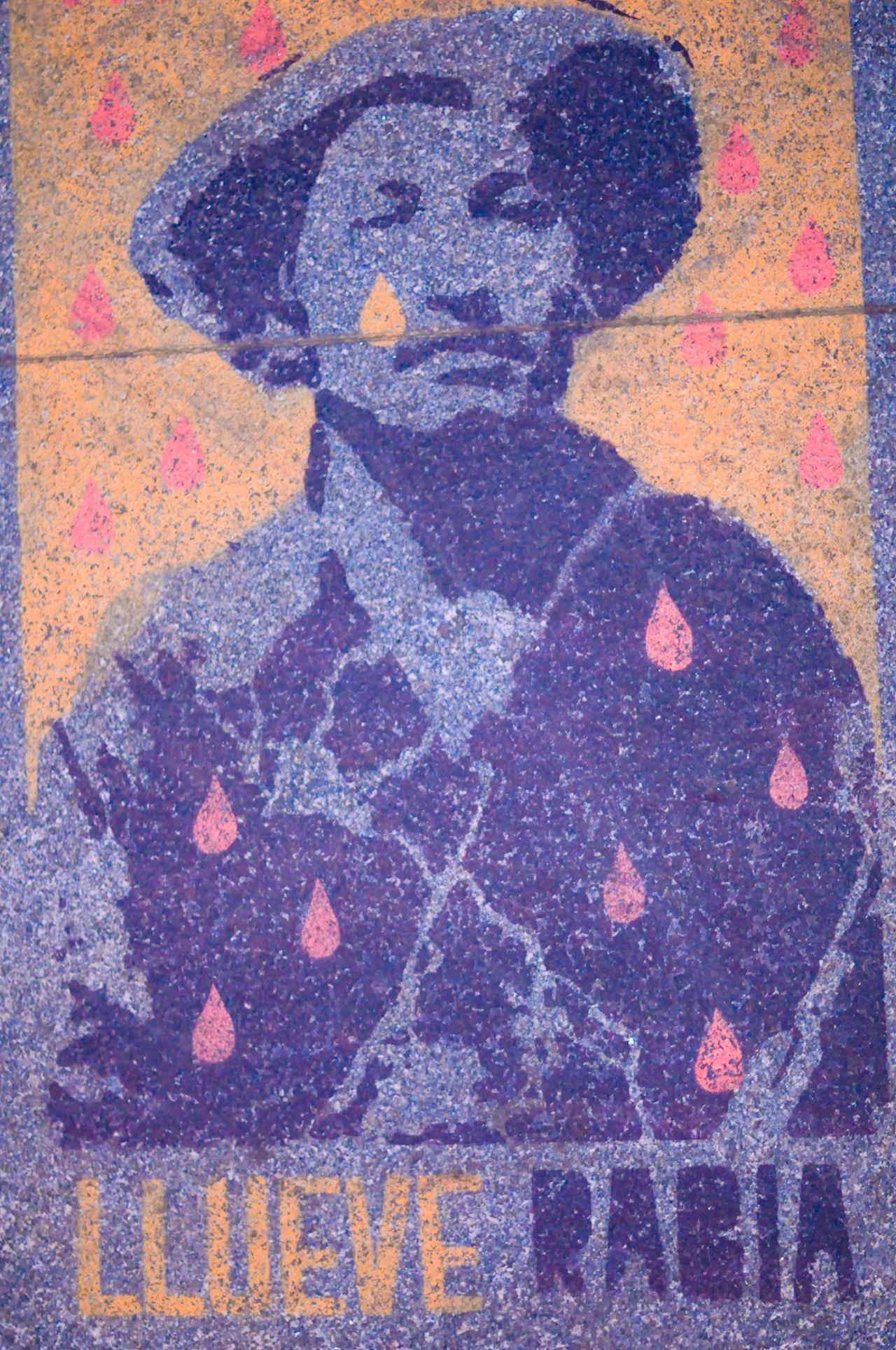 A stencil on the sidewalk along Reforma avenue