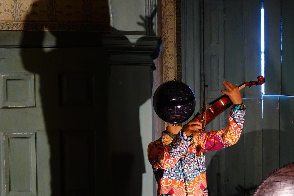 Yinka Shonibare MBE: 'Colonial Arrangements' at Morris-Jumel Mansion