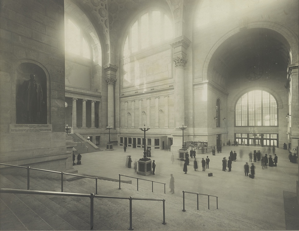 Passengers in the waiting room at Pennsylvania Station (1911) (via Library of Congress)