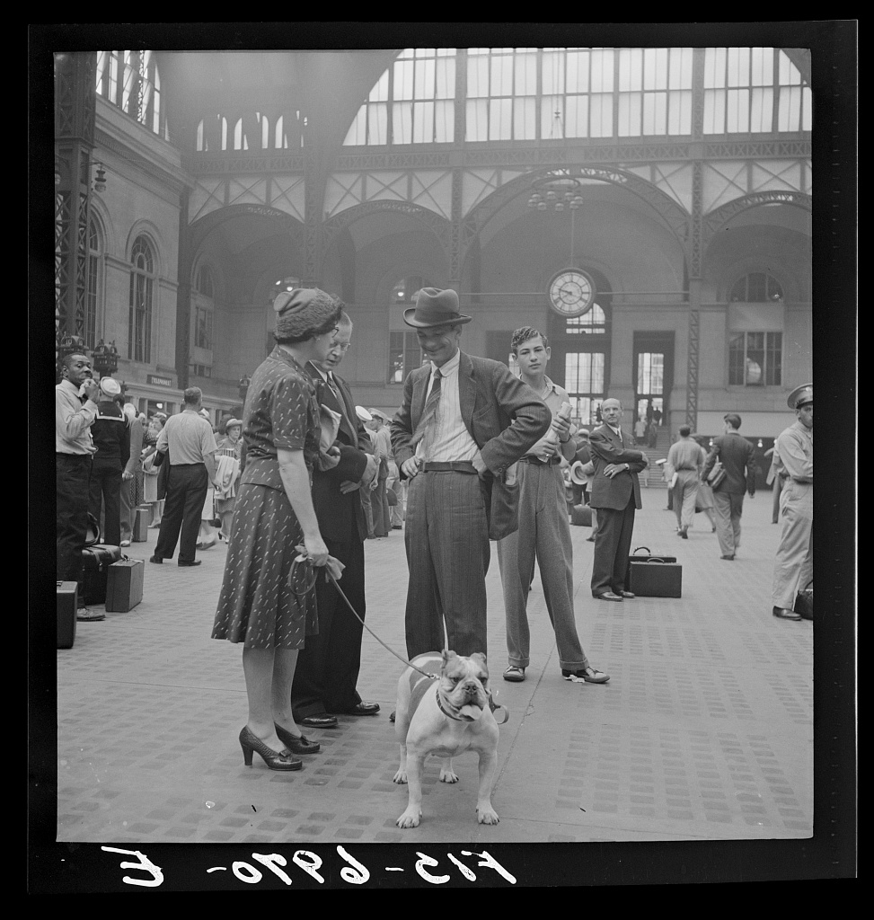 Waiting for trains at Pennsylvania Station (1942) (photo by Marjory Collins, via Library of Congress)