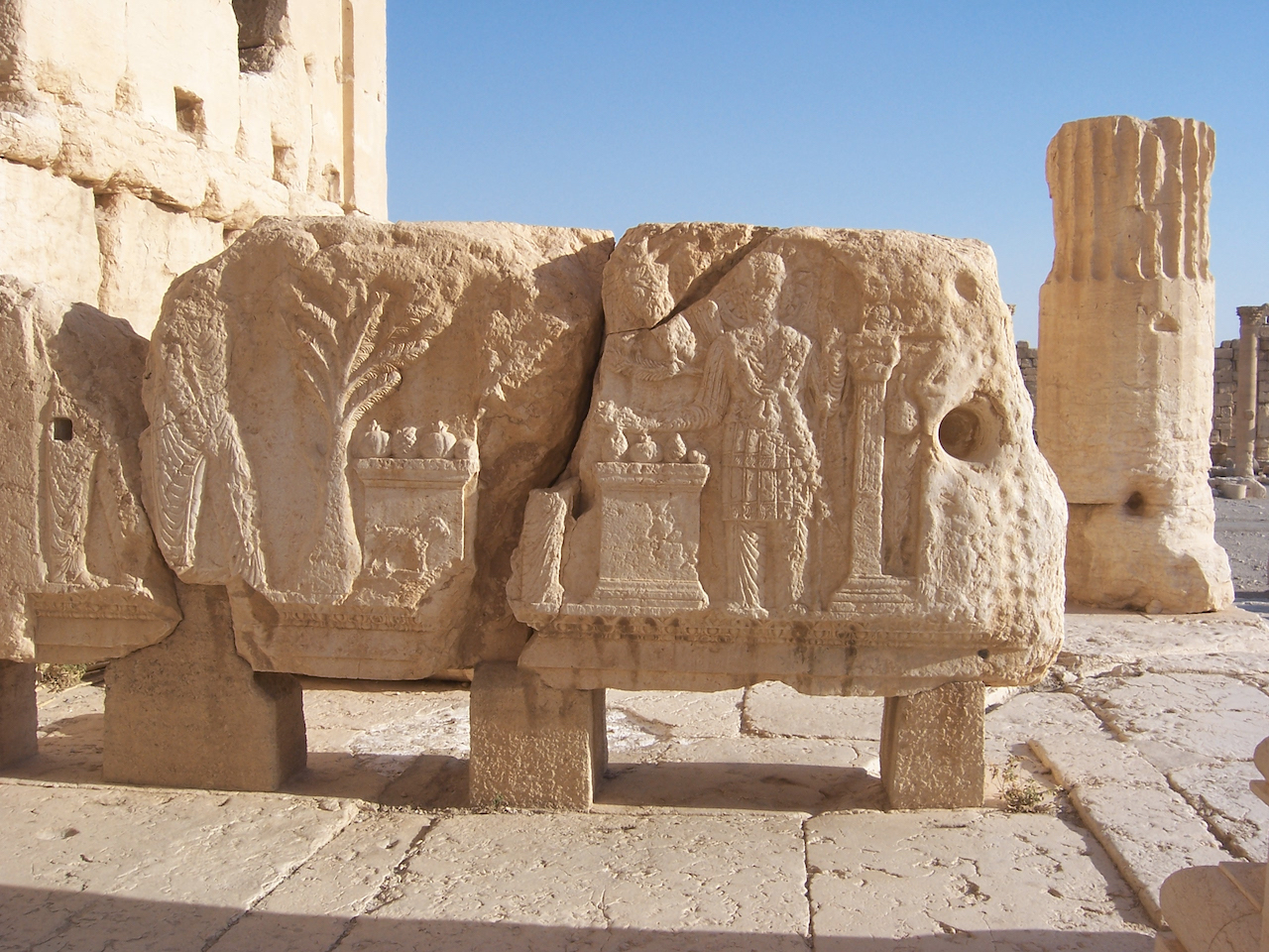 A Roman relief at Palmyra near the Temple of Baal (photo © Erik Hermans, 2008, via Wikimedia Commons)