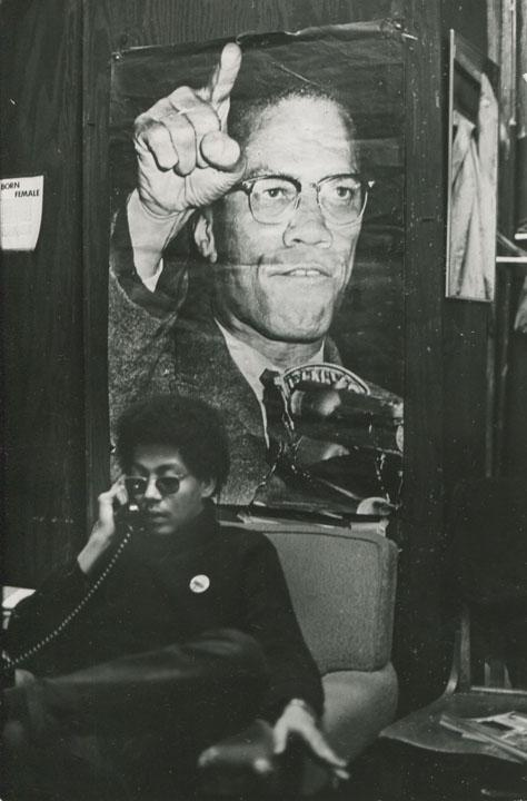 "Fred W. McDarrah, ""Pablo Guzman, Yoruba of the Young Lords"" (c. 1968), vintage gelatin silver print, 7 x 4 ½ inches (17.8 x 11.4 cm) (via bronxmuseum.org)"