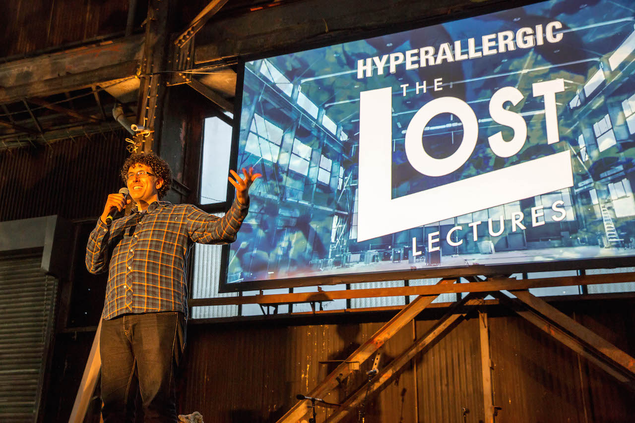 Hyperallergic's Hrag Vartanian welcoming everyone and introducing Lost Lectures NY Two.