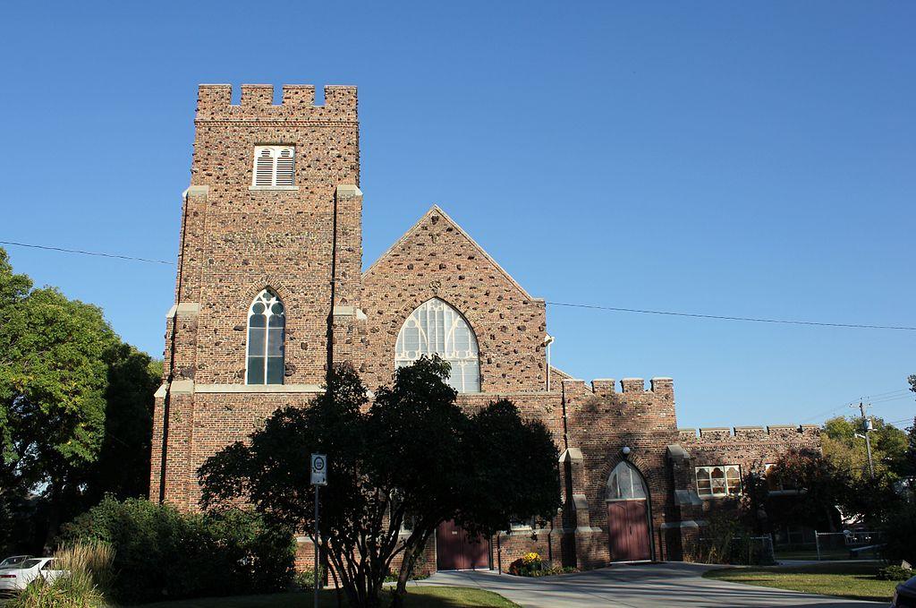 Clinker brick on Holy Trinity Anglican Church in Strathcona, Alberta (photo by Arctic.gnome, via Wikimedia)