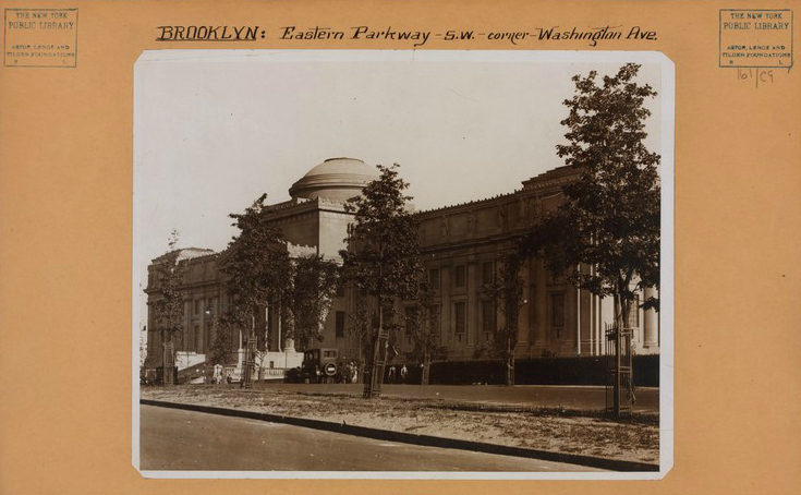 The Brooklyn Museum on Eastern Parkway and Washington Avenue (1925) (photo by Ewing Galloway, Irma and Paul Milstein Division of United States History, Local History and Genealogy, New York Public Library)