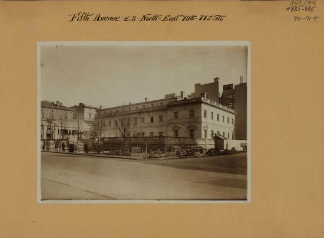 The Henry Clack Frick House (now the Frick Collection) on Fifth Avenue at 70th Street (1912) (photo by Brown Brothers, Irma and Paul Milstein Division of United States History, Local History and Genealogy, New York Public Library)